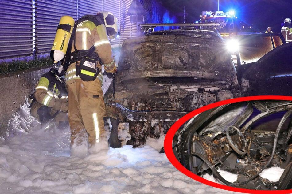 Feuer auf der A4: Renault steht in Flammen und brennt aus