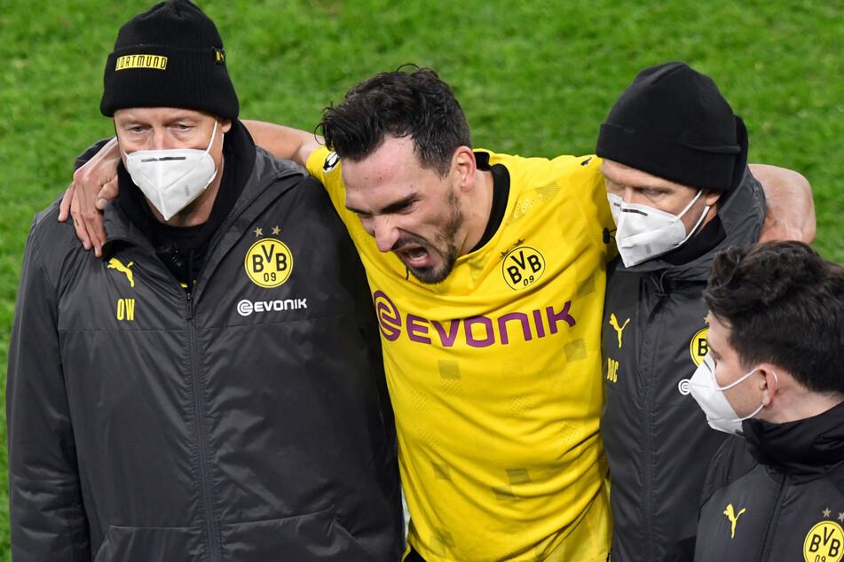 Mats Hummels wurde verletzt ausgewechselt.