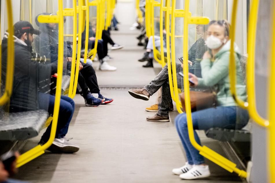 Ab Montag gilt die Maskenpflicht in Berliner Bussen und Bahnen.