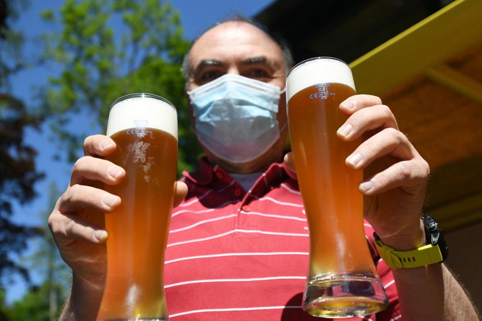 Gaststätten und Biergärten dürfen ab kommendem Montag bis 23 Uhr geöffnet bleiben. (Archiv)
