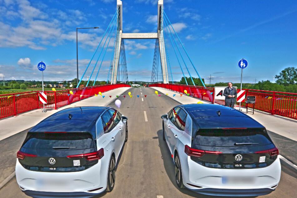 Freie Fahrt über die neue Muldenbrücke in Schlunzig.