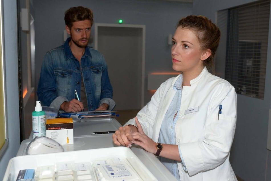Lilly ahnt nichts vom Techtelmechtel zwischen Philip und der neuen Ärztin.