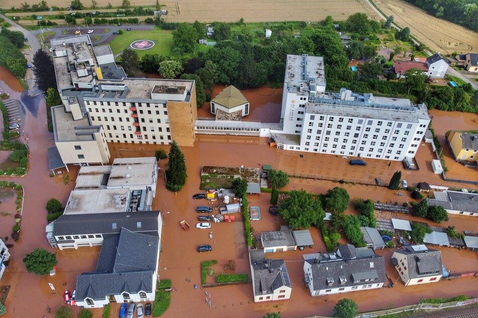 Dramatische Zustände nach Dauerregen: Zehntausende sollen Wohnungen verlassen