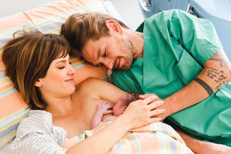Isabell Horns (36) mittlerweile zehn Monate alter Sohn Fritz wäre beinahe erstickt.