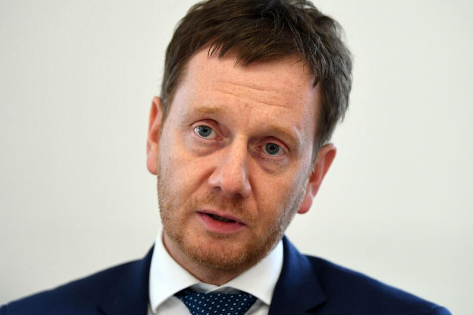 Ministerpräsident Michael Kretschmer (43, CDU) hat konsequentes Handeln gegen die rechten Netzwerke angemahnt.