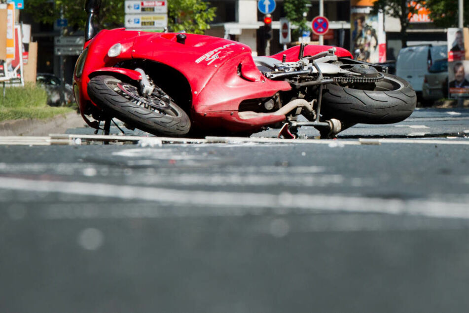 In Bayern kam es am Wochenende zu mehreren Motorradunfällen. (Symbolbild)