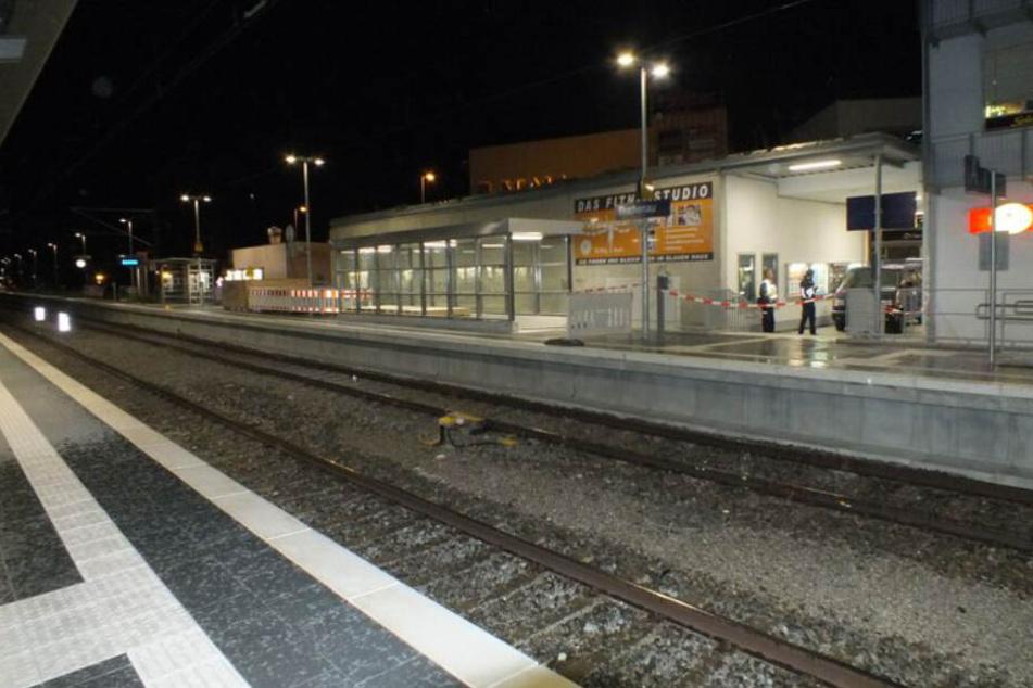 Der S-Bahnhof Buchenau: Hier wurde ein 72-Jähriger mit einem Teppichmesser attackiert.