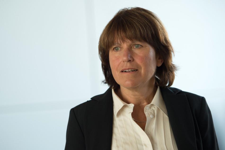 Oberbürgermeisterin Pia Findeiß (60, SPD) will keine Abkopplung des Bahnhofs von der Tram
