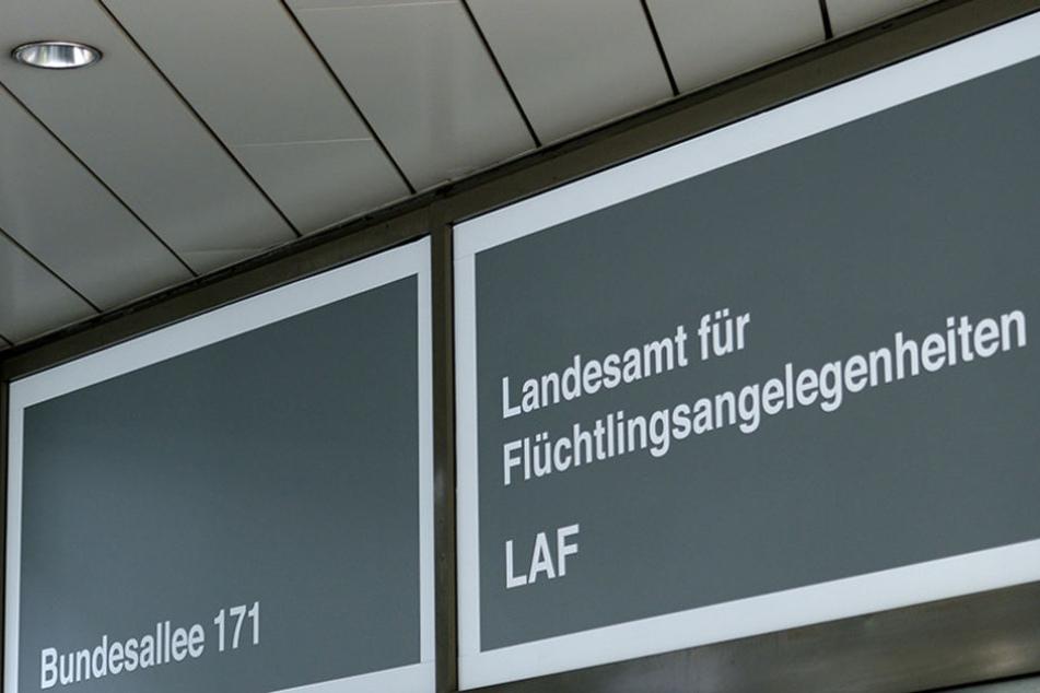 Berliner Flüchtlingsamt im Visier der Polizei: Razzia wegen Betrugs?