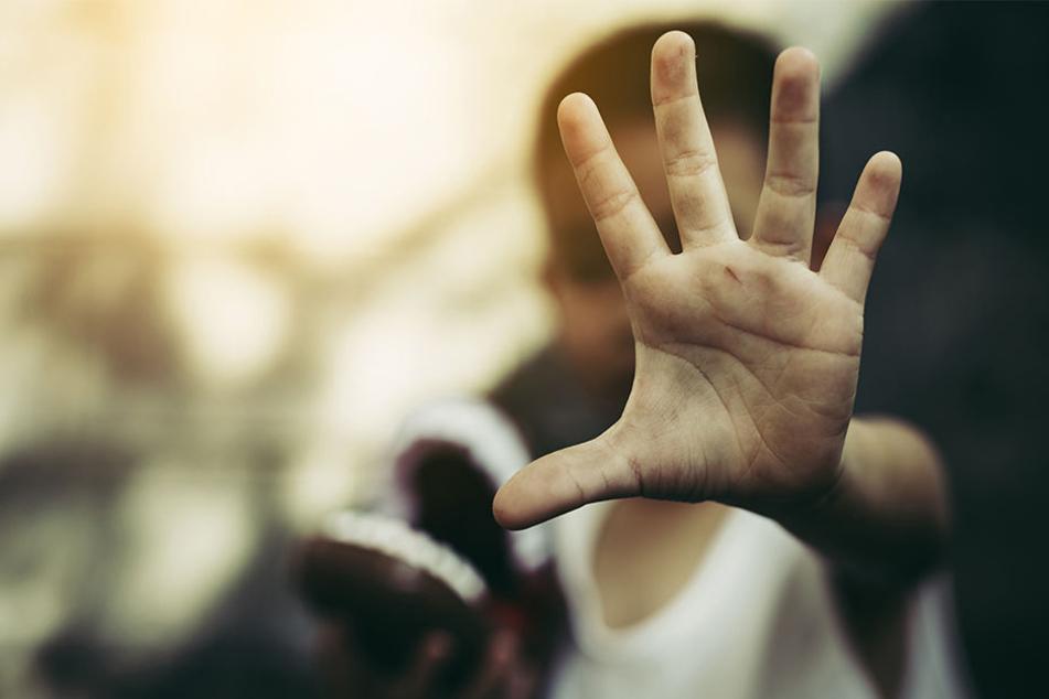 """Das Kind sei während des Gebets zu """"verspielt"""" gewesen, da rastete der Mönch aus. (Symbolbild)"""