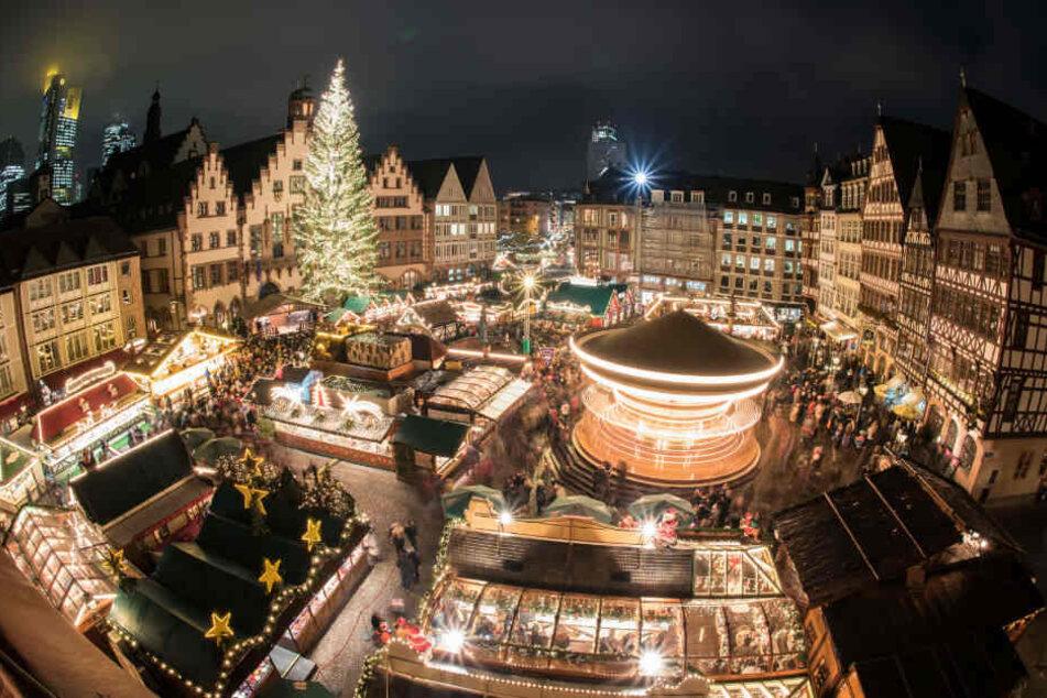Frankfurt: Es wird festlich am Main: Frankfurter Weihnachts-Markt öffnet