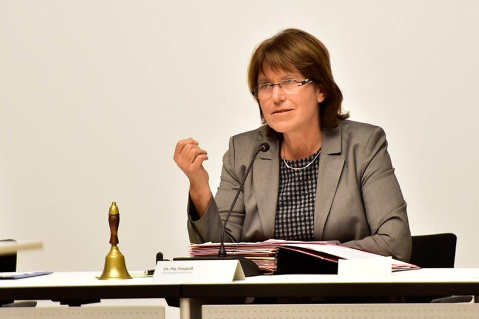 Zwickaus OB Pia Findeiß (60, SPD) hat Anzeige gegen drei Hobbyfilmer erstattet.