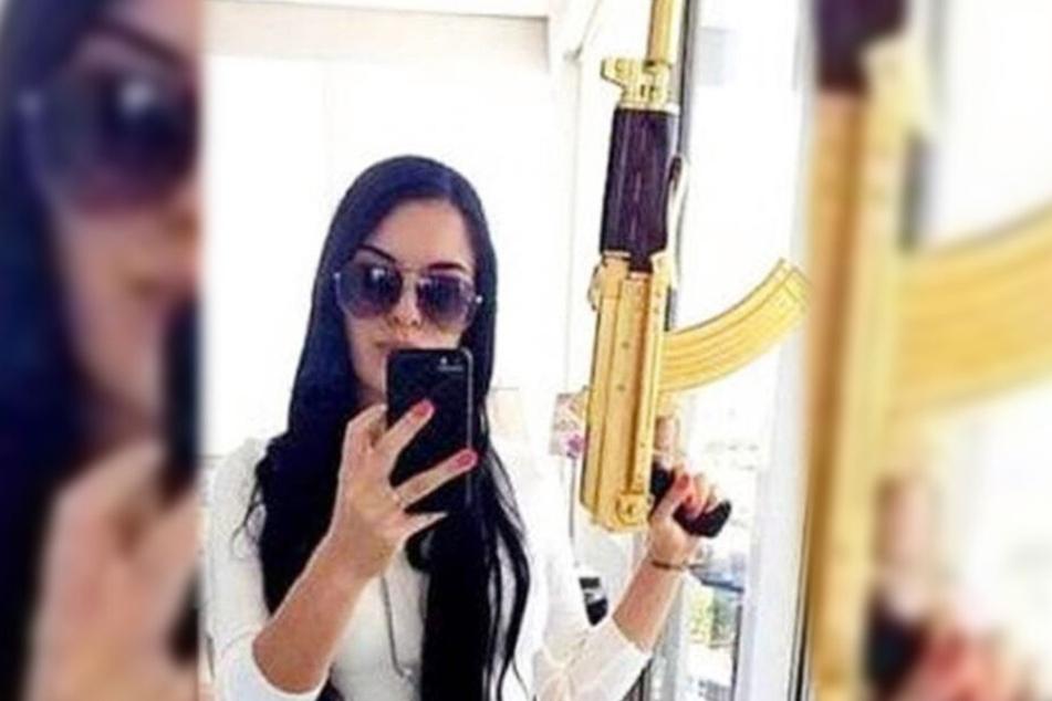 Die Terror-Anführerin Esquivel zeigte sich gern mit großen Waffen.
