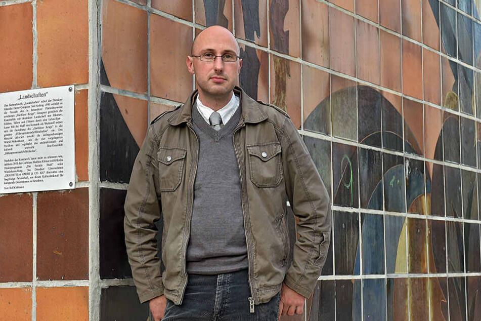 """Mathias Körner (39) hat bereits ein Buch über die """"Ostmoderne"""" in Gorbitz  verfasst."""