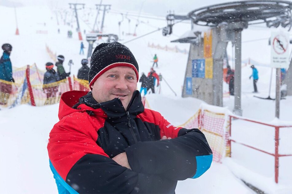 René Lötzsch (46), freut sich über das Winterwetter.