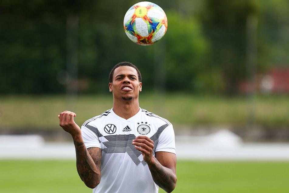 U21-Nationalstürmer Lukas Nmecha wurde von Manchester City ausgeliehen und soll Druck auf Stammstürmer Wout Weghorst ausüben.