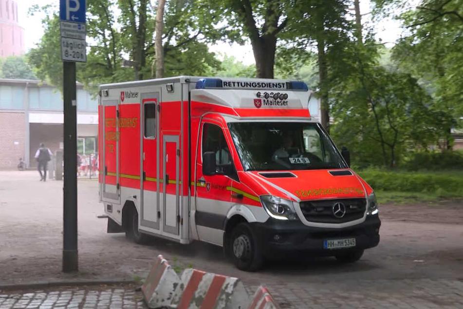 Mit einem Rettungswagen ging es für drei Kinder ab ins Krankenhaus.
