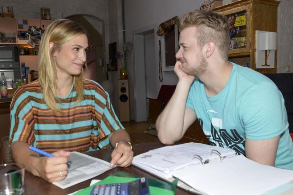 Schmachtende Blicke: Werden Sophie und Jonas ein Paar?