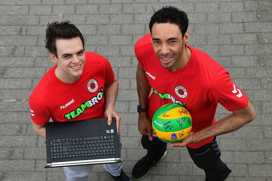 Sie ergänzen sich gut als Typen und Co-Trainer: Links der emotionale Till Müller mit Laptop,rechts der Pragmatiker Jairo Hooi mit Ball.