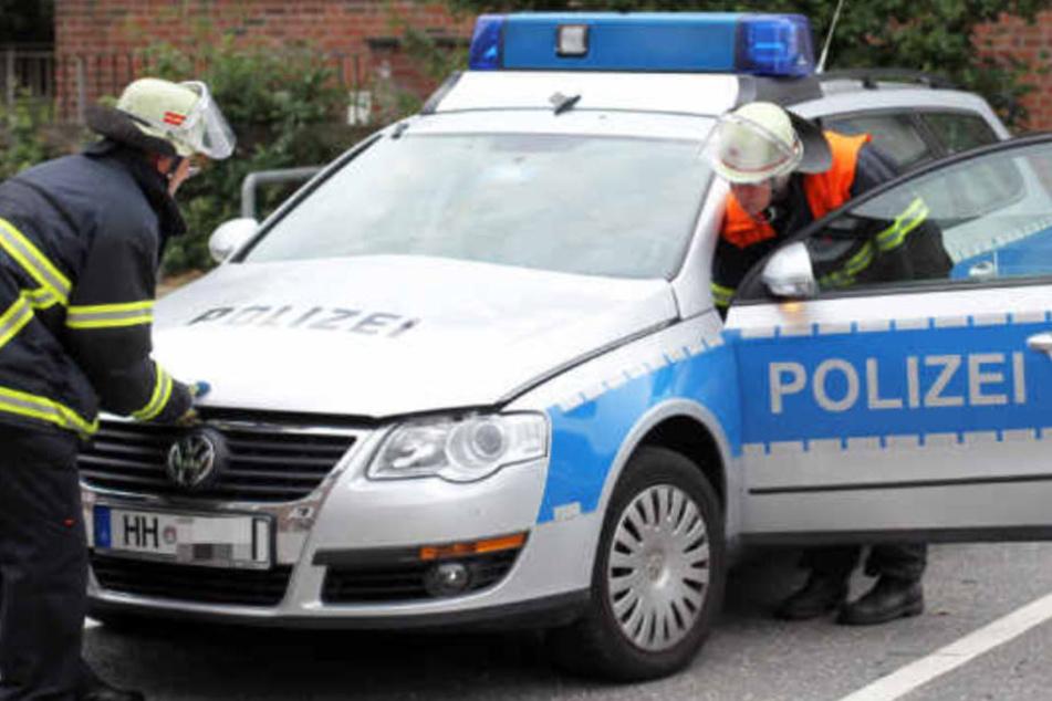 Bei dem Unfall mit einem Polizeiauto kam ein 24-Jähriger ums Leben. (Symbolfoto)