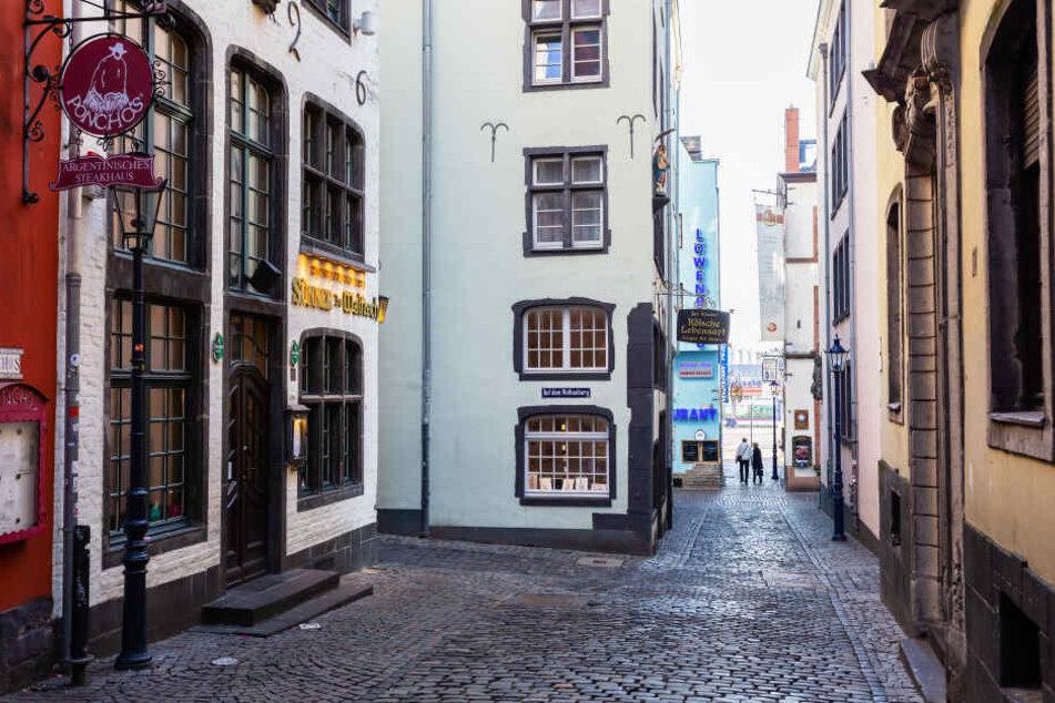 Die kurze Tipsgasse befindet sich in der Kölner Altstadt (Symbolbild).