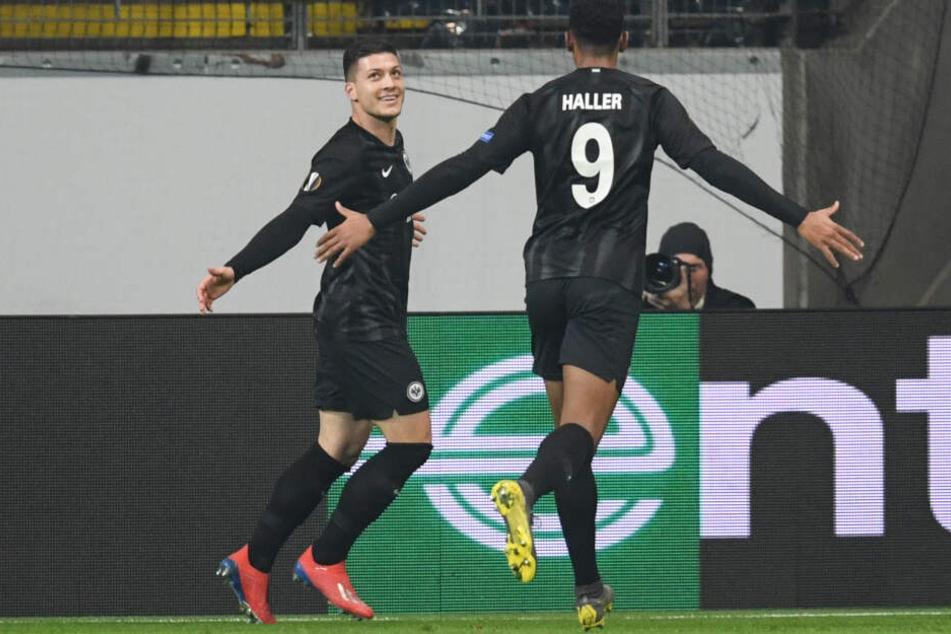 Luka Jovic (Li.) und Sebastién Haller erzielten die ersten beiden Treffer für die Eintracht.