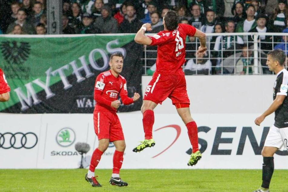 Nils Miatke (li.) und Ronny König feiern am Samstag ihren jeweils 100. Drittliga-Einsatz.