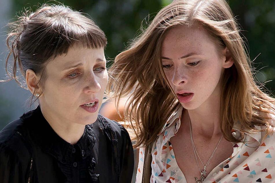 Atemlos: Können Nina Rubin und Praktikantin Anna (Carolyn Genzkow, 24) ihren zwielichtigen Kollegen rechtzeitig retten?
