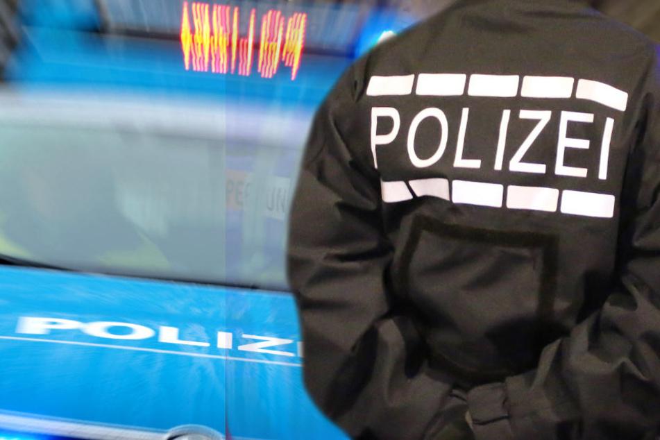 Die Polizei durchsuchte zahlreiche Wohnungen in Unterfranken (Symbolbild).