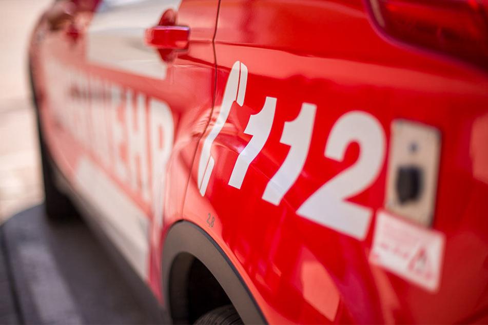 Gleich zweimal musste die Feuerwehr in der Nacht zu Sonntag nach Knautkleeberg ausrücken. (Symbolbild)