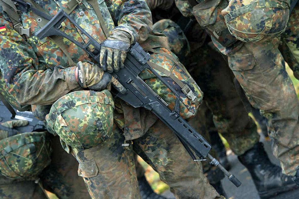 Bei der Bundeswehr werden mehr minderjährige Soldaten denn je ausgebildet.