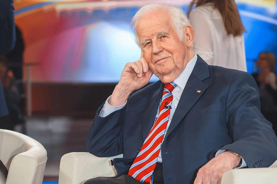 Sachsen ehemaliger Ministerpräsident Kurt Biedenkopf (86, CDU)