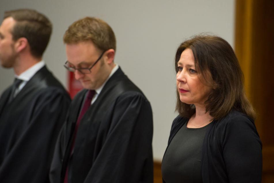 Die Mutter von Nathalie Volk Ende Februar vor dem Landgericht Lüneburg.