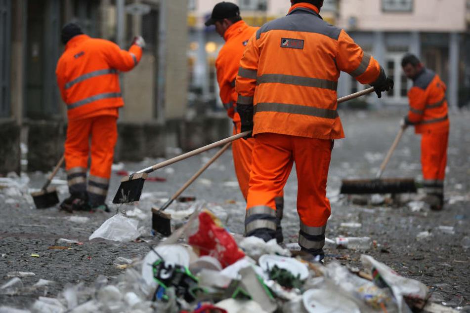 Nebenkosten für Kölner steigen: Müllabfuhr und Straßenreinigung sollen teurer werden!