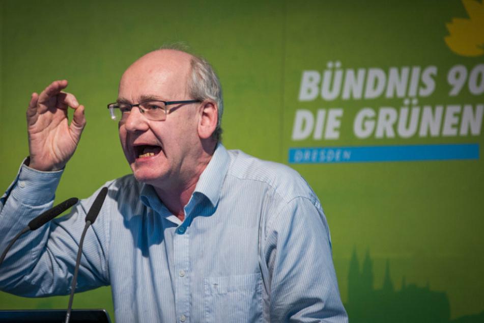 Zahn um Zahn: Johannes Lichdi (56, Grüne) hat sich im Stadtrat mal wieder in Rage geredet.
