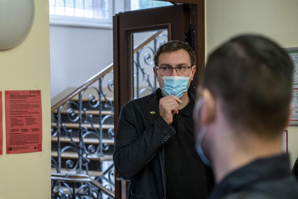 Stefan Hartung (32, NPD) gerät immer wieder in Konflikte mit der Polizei. Diesmal ging's um Beleidigung.