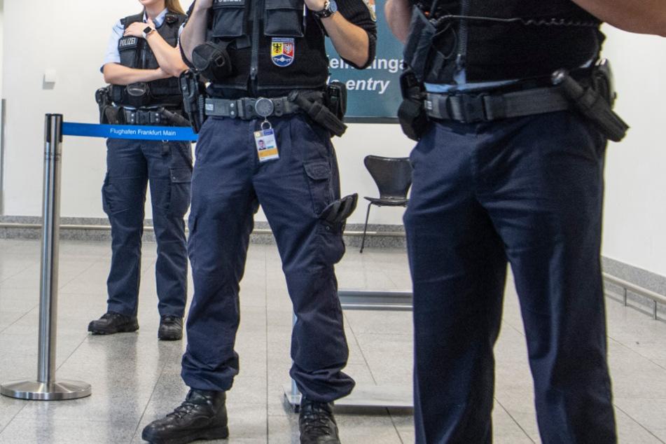 Sie soll mehrere Terroristen geheiratet haben: Polizei nimmt mutmaßliche IS-Rückkehrerin fest