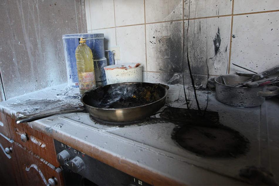 Die Doppelhaushälfte ist aufgrund des Küchenbrandes vorerst nicht bewohnbar (Symbolbild).