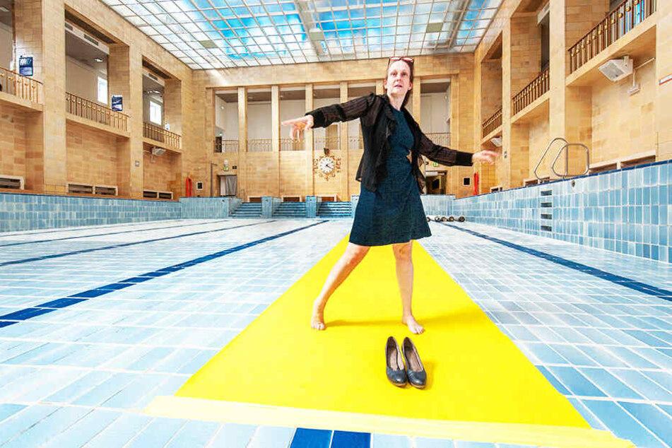 """Die Chemnitzer Ballettdirektorin Sabrina Sadowska (53) inszeniert den Tanzabend """"Jahreszeiten"""" im Stadtbad."""