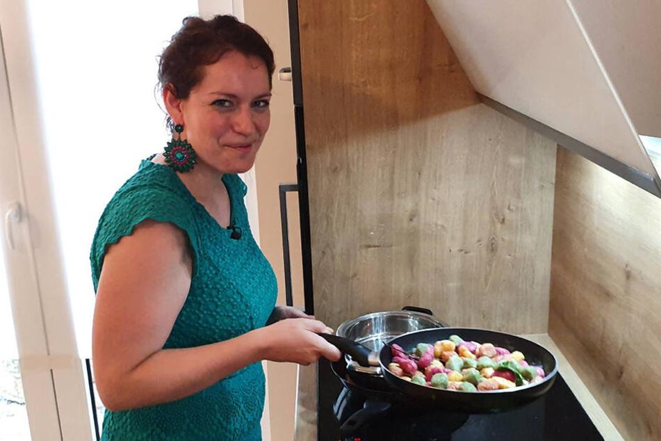"""... Anke (31). Die beiden Vegetarierinnen der Runde, konnten sich am Ende den Sieg und somit """"Das perfekte Dinner"""" sichern. Beiden bekamen von ihren Konkurrenten jeweils 32 Punkte für ihr Menü."""