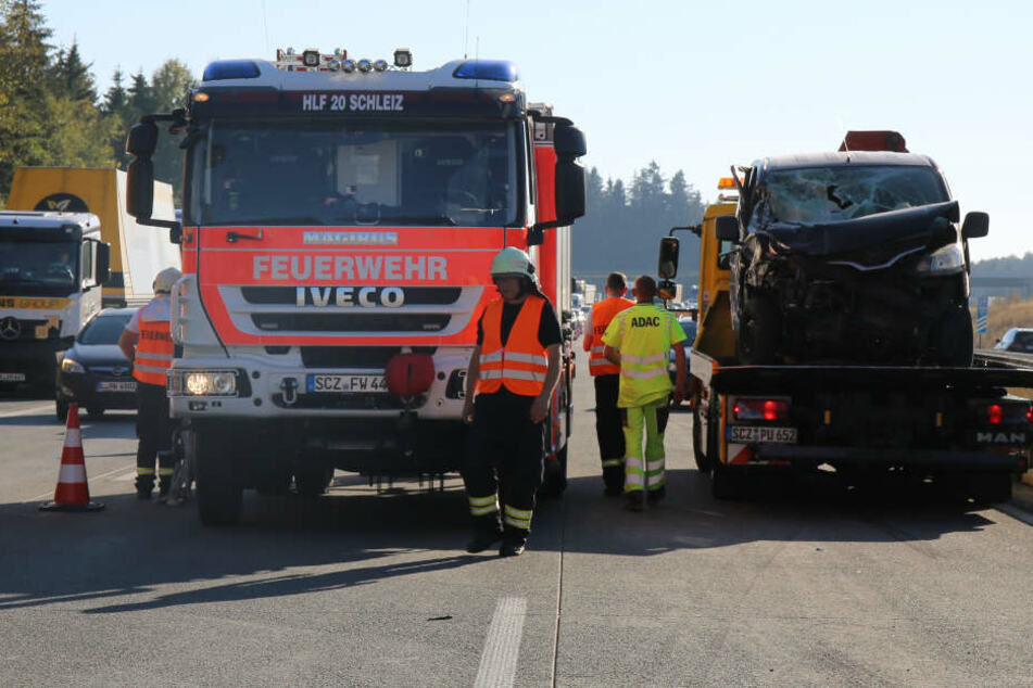 Die Feuerwehr kam nicht ohne Unfall durch die Rettungsgasse.