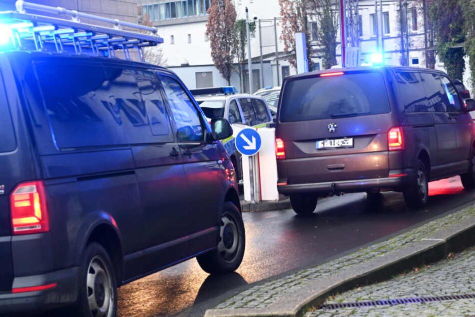 Stephan E. wurde am Mittwoch für eine weitere Vernehmung in das Polizeipräsidium Nordhessen gebracht.
