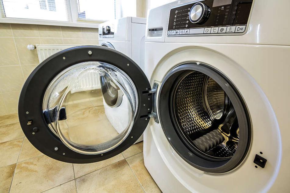 Waschmaschinen können für Kleinkinder eine tödliche Falle sein. (Symbolbild)