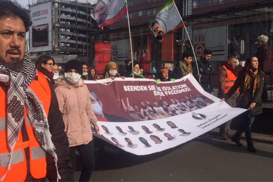 Am Samstagnachmittag ging der Demonstrationszug durch Deutz.