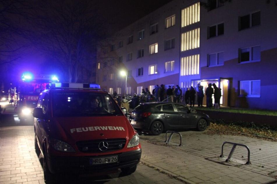 Großeinsatz: Feuer-Alarm in Studentenwohnheim!