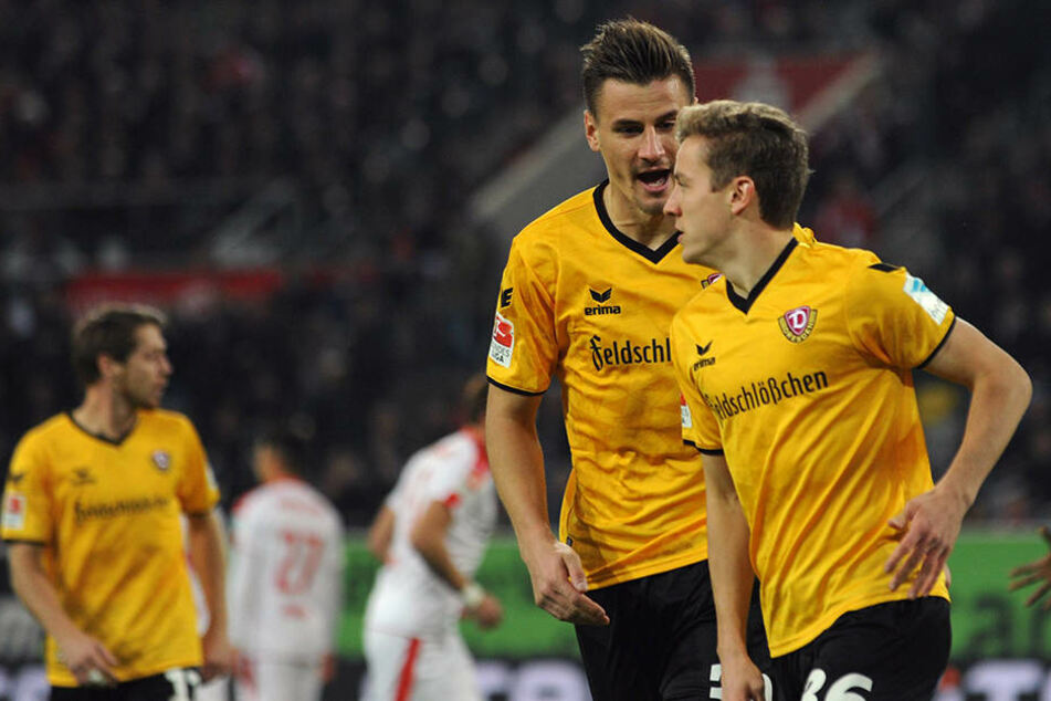 Niklas Hauptmann (r.) schoss Dynamo nach 25 Sekunden in Führung.