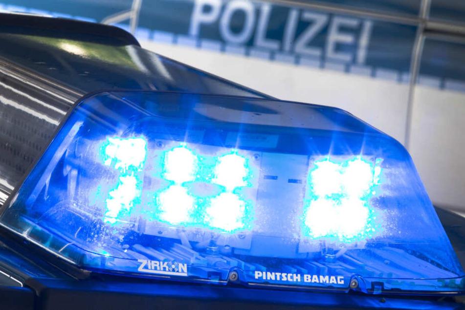 Die Polizei sucht nach einer vermissten 13-Jährigen. (Symbolbild)