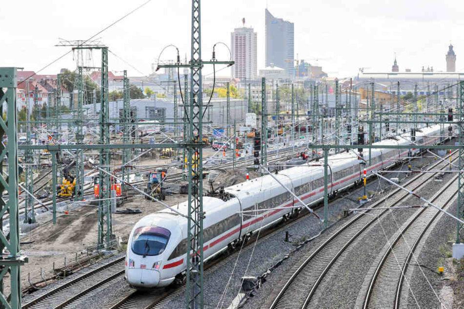 Anbindungen, Geschäfte, Ausschilderung. Der Leipziger Hauptbahnhof kann sich absolut sehen lassen.
