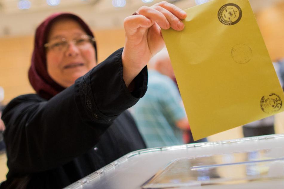 Von großer Bedeutung für Erdogan: Wahl für Türken in Deutschland gestartet
