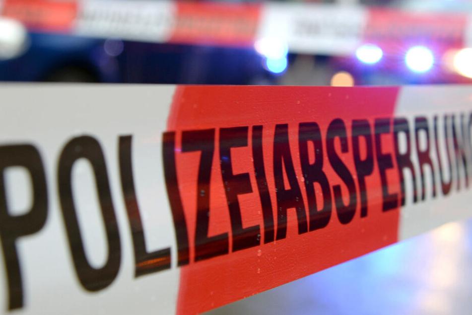 Messer-Mann sticht mehrfach zu: Ermittlungen dauern an
